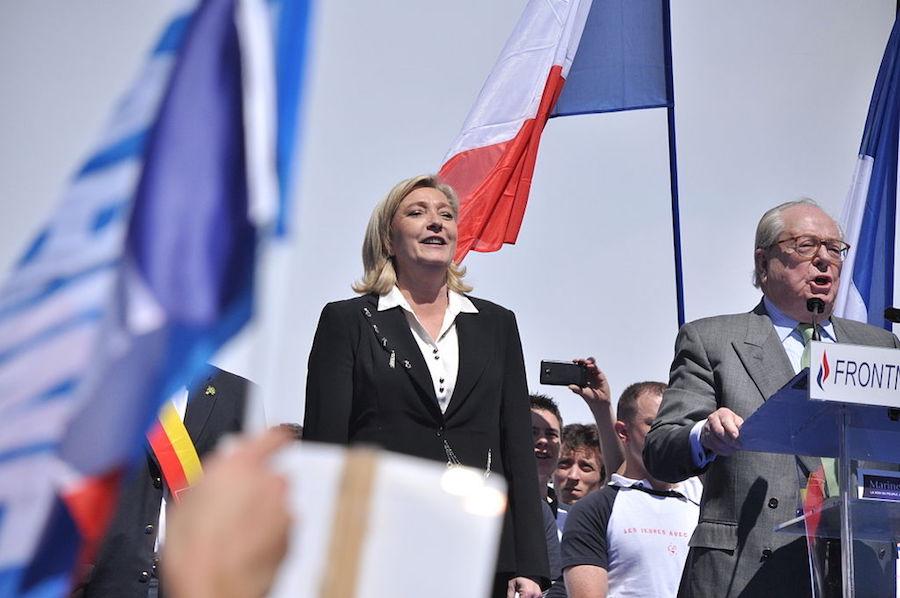 Le Front National, ou l'éloge du surréalisme